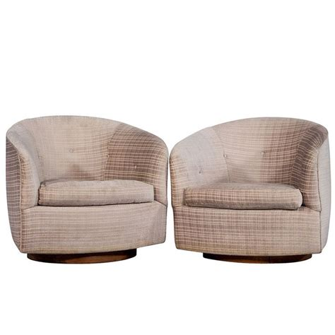 swivel barrel chairs 1000 ideas about swivel barrel chair on barrel chair swivel chair and small corner