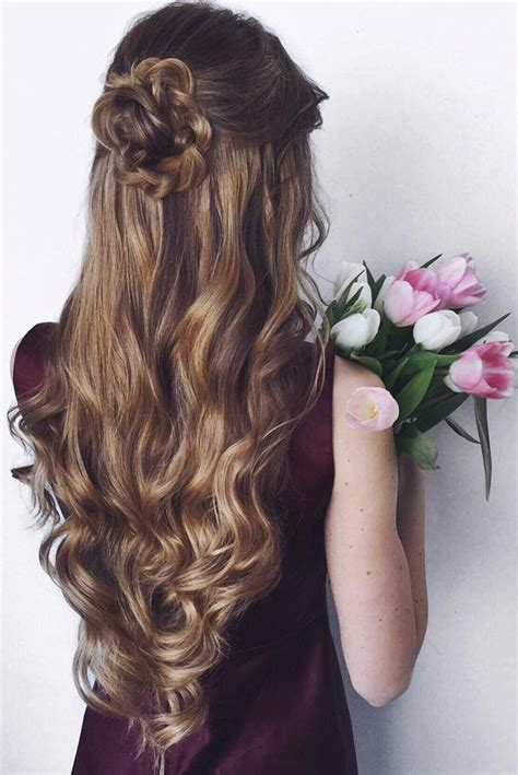 hairstyle for long hair for js prom 25 best ideas about homecoming hairstyles on pinterest