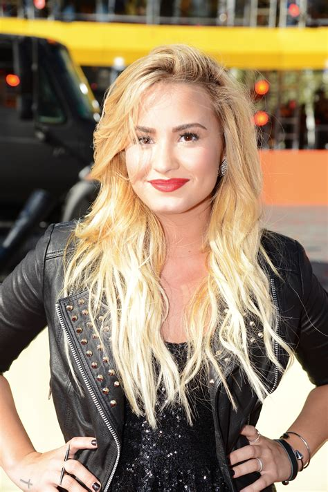 ombre hair images pictures becuo demi lovato ombre hair ombre hair color for 2013 male
