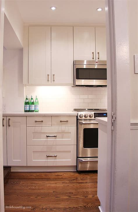 Ikea Shaker Kitchen Cabinets White Ikea Grimslov Shaker Cabinets White Quartz Countertop Kitchen Advice