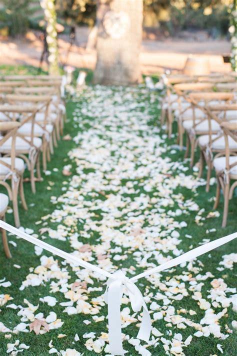 Outdoor Wedding Aisle Runner Ideas by 20 Wedding Aisle Runners Ideas Will Make Your Wedding More