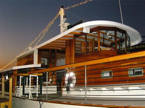 party boat queens ny manhattan ii party boat caliber yacht charter prestige