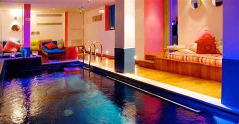 piscine dans la chambre h 244 tels 224 avec piscine