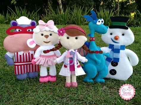 0905 doutora brinquedos kit c 2 moldes por r3270 kit doutora brinquedos em feltro simone arte em feltro