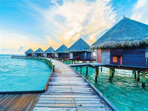 travelling   maldives