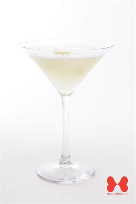 white cocktail white cocktail recipes gin sec cocktails