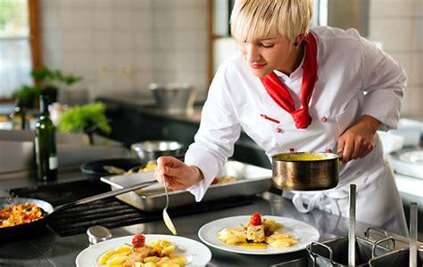 cerco lavoro come chef di cucina chef commis capi partita ecco tutte le occasioni per