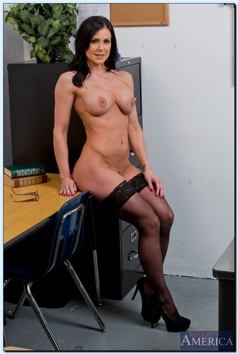 a condition professor kendra lust ask her student milf fox