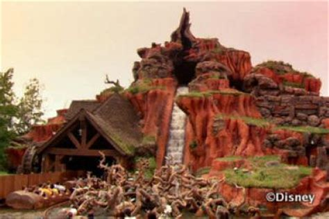 what s new at disney world in 2011 yourfirstvisit net what is your favorite attraction ride at the magic kingdom