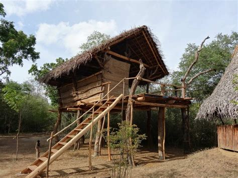 Mud House by New Hut The Mudhouse