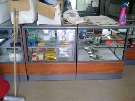 vendo arredamento negozio alimentari vendesi arredamento per negozio alimentare posot class