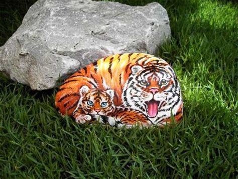 Tigers Garden by Painted Rocks For Artistic Yard And Garden Designs 40 Rockpainting Ideas