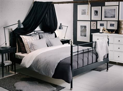schöne betten günstig gardine schlafzimmer