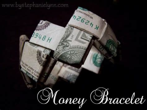 Money Bracelet Origami - last minute gift idea how to fold a money bracelet turn