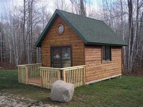 small cabins small rustic cabin country living style homesfeed