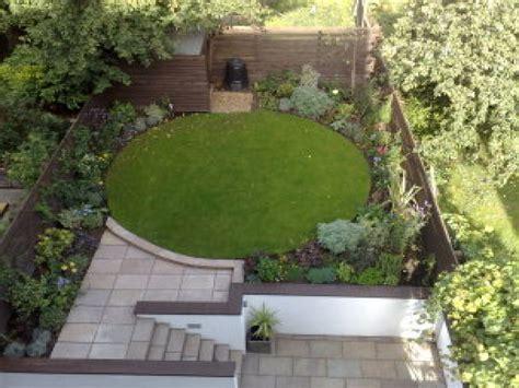 Circle Garden by Patio And Garden Ideas Circle Garden Design Ideas Small