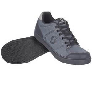 flat pedal shoes fr 10 flat pedal shoe reviews comparisons specs