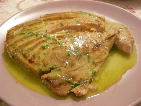 cucinare il filetto di tonno filetto di tonno arrosto con salsa al vino bianco la