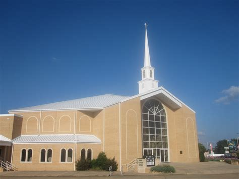 Charming Free Will Baptist Churches #7: Revised_photo_of_First_Baptist_Church_of_Magnolia%2C_AR_IMG_2324.JPG