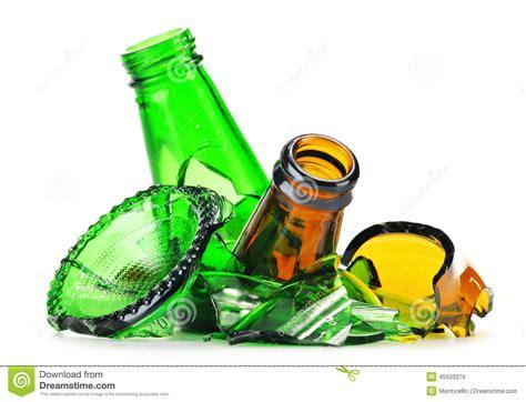 imagenes animadas sobre el reciclaje pedazos de vidrio quebrado sobre el fondo blanco reciclaje