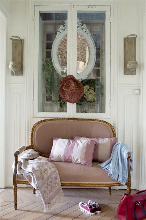 french interiors  vintage elegant parisian apartment