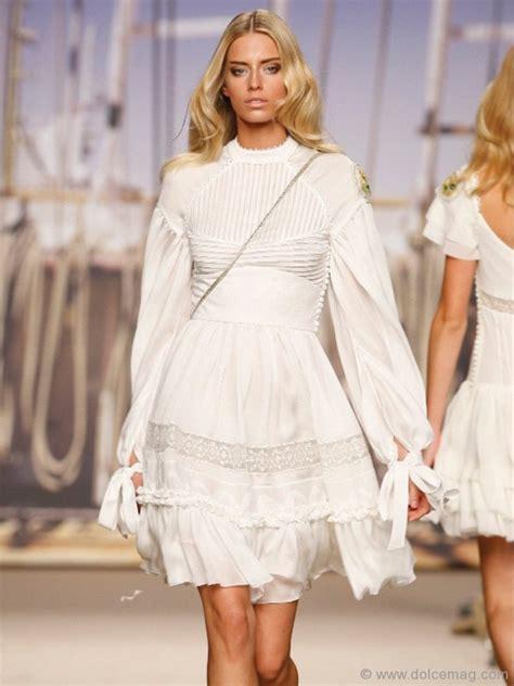 design clothes in spanish spanish fashion designer alma aguilar dolce luxury magazine