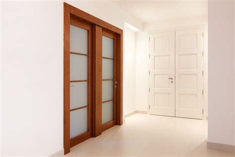 porta a due ante porta a due ante a vetri realizzata in legno di ciliegio