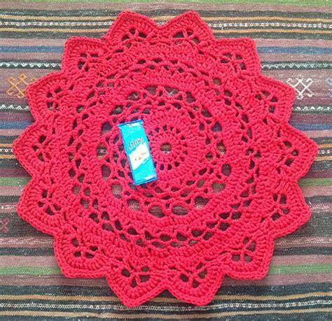 crochet rug yarn crocheted t shirt yarn doiley rug haken en breien