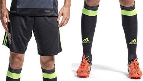 Juventus Tie Green Stripe wales unveil 2016 away kit soccer365