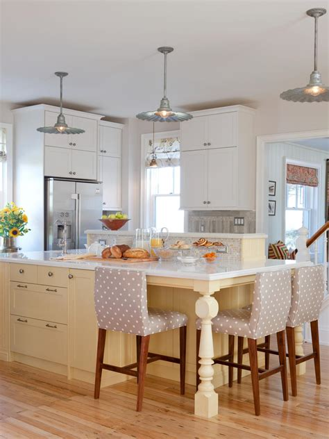 hgtv kitchen island ideas 25 colorful kitchens kitchen ideas design with cabinets islands backsplashes hgtv