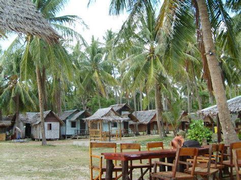 cheap bungalows koh lanta koh lanta new coconut bungalows photo