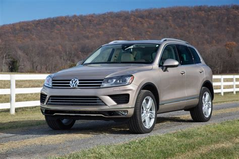 volkswagen touareg vw review ratings specs prices    car connection