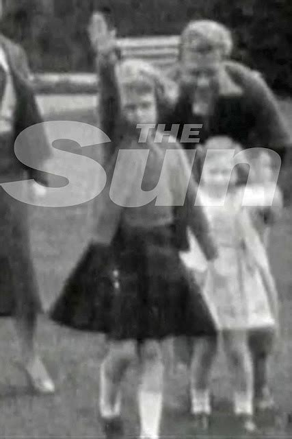 film queen nazi salute queen nazi salute pictures with edward viii causes outrage