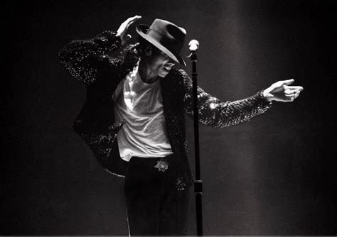 Michael Jackson Doesnt Want His Stuff To Get Sold by July 2011 Reflections On The