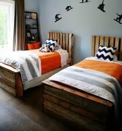 Diy Bed Frame Wooden Pallets Wooden Pallet Platform Bed For New Bedroom 101 Pallets