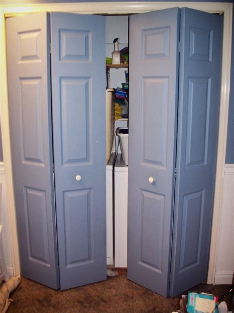 Adjusting Bifold Closet Doors How To Adjust Closet Doors Adjusting Sliding Closet Doors Home Improvement How To Change
