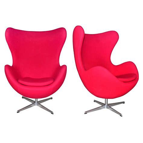 Pair Of Swivel Tilt Red Egg Chair By Arne Jacobsen At 1stdibs Swivel Egg Chair