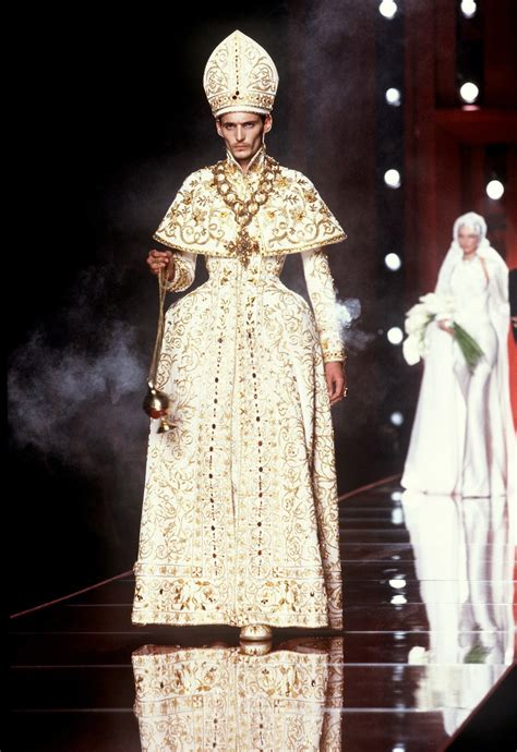 Versace Inspired By Popes by Christian Haute Couture Autumn Winter 2000 The