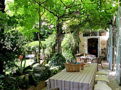 tonnelle de jardin 153 des pergolas au charme discret terrasses balcons et