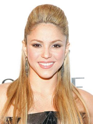 best 25 shakira hairstyles ideas on shakira hair curly hairstyles and