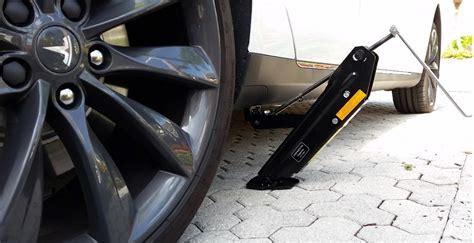 Tesla Repair Repairing A Flat Tire On A Tesla Model S