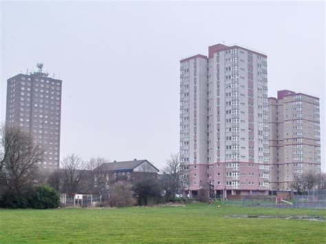 blackpool appartments file high rise flats at queenstown blackpool geograph org uk 1163332 jpg