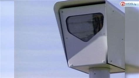 baton rouge red light cameras governor signs bill requiring red light camera signs to