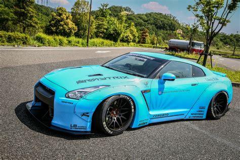 Tuners LB Performance Nissan GT R blauw afbeeldingen