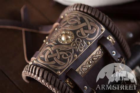 Napoli Brown Black Bracelet Viooca wikinger armschienen aus leder und messing vorhanden in