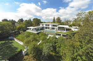 Buy Home Los Angeles by Jay Z And Beyonce Paid 200k For One Month Stay In Bel Air