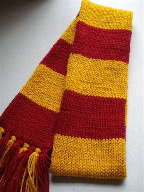 gryffindor scarf knitting pattern 25 best ideas about harry potter scarf on