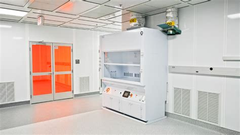 clean rooms west cleanroom design engineering manufacturing and installationclean rooms west inc