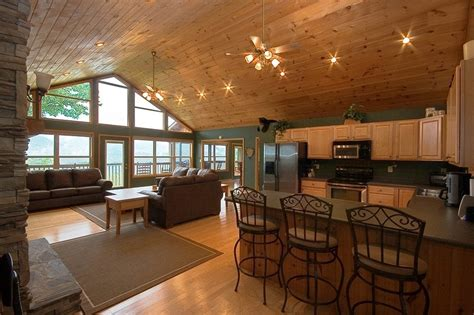 vaulted great room great room smoky mountain views 50 quot hdtv fireplace cathedral ceiling decks wall of windows