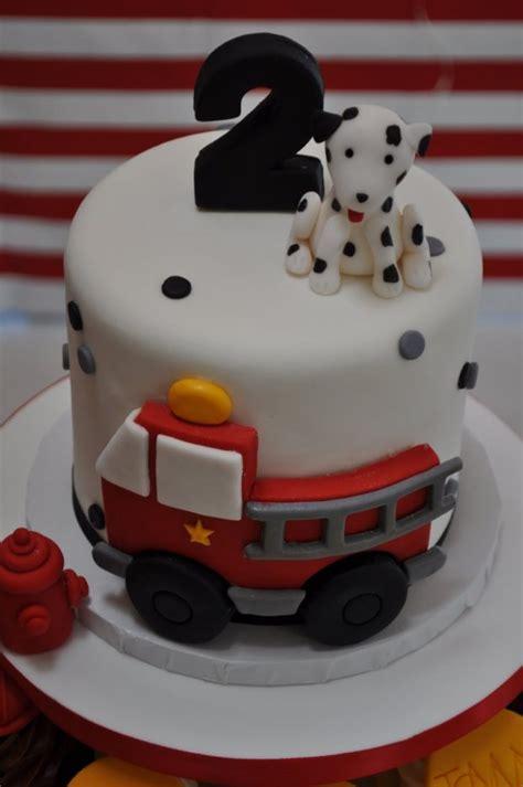 love  fireman party cake  cupcakes spaceships  laser beams